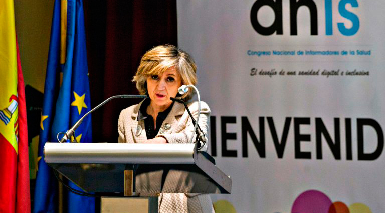 Maria Luisa Carcedo en el Congreso Nacional de Informadores de la Salud